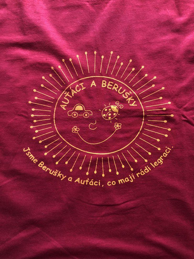 První třídní tričko
