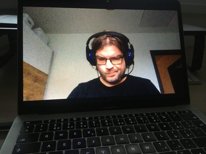 Covid tuning: iPhone jako webkamera - Naše třída